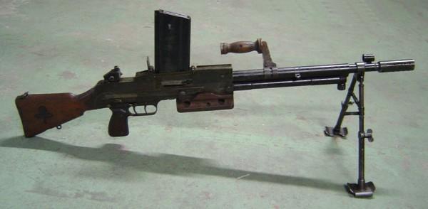 Arme Prototype armement reglementaire francais les armes étrangères